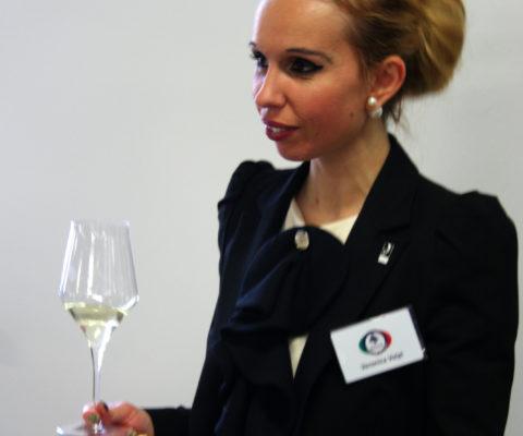 Il vino è stato il primo prodotto a dotarsi di un organizzazione di assaggiatori