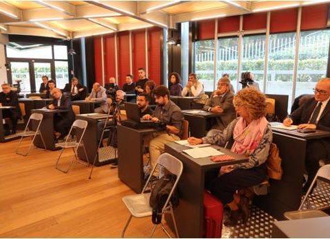 L'ambiente per la formazione dei giudici ha una grande influenza sul loro apprendimento