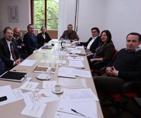 Una riunione del consiglio di amministrazione dell'Istituto Internazionale Assaggiatori Caffè che oggi vanta oltre 10.500 allievi in 40 paesi del mondo